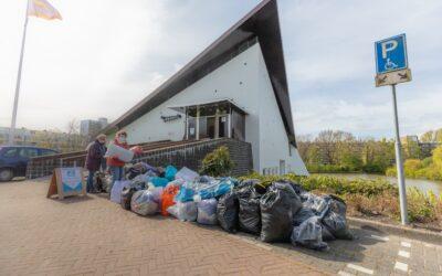 Kledinginzameling in Amstelveen-Buitenveldert voor Mensen in Nood weer groot succes